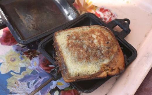 Сэндвич на костре