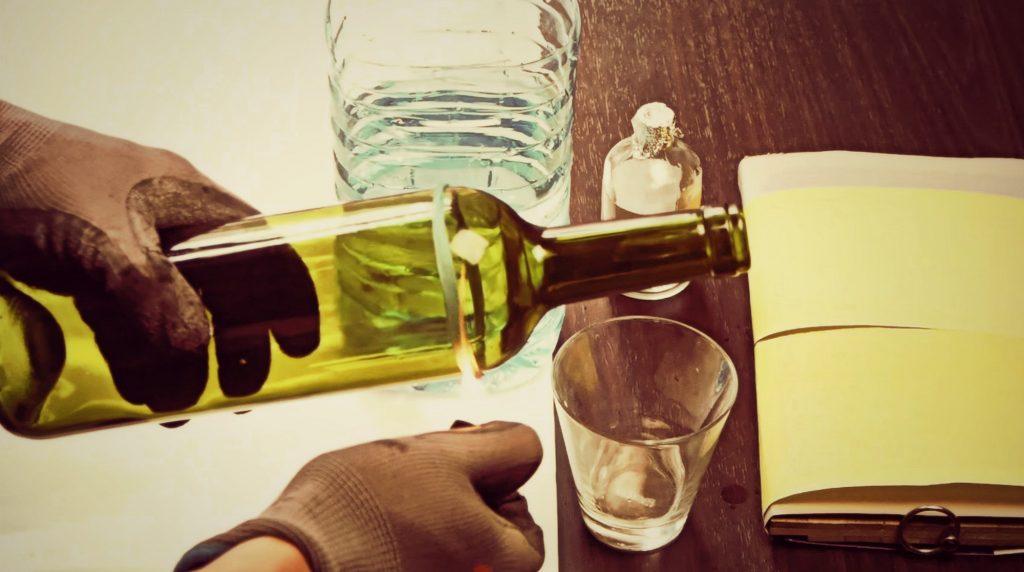 Обрезать стеклянную бутылку в домашних условиях 593