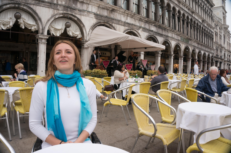 Никаких оправданий: «Открыты все двери — только постучись» — интервью со студенткой Анной Драгиной