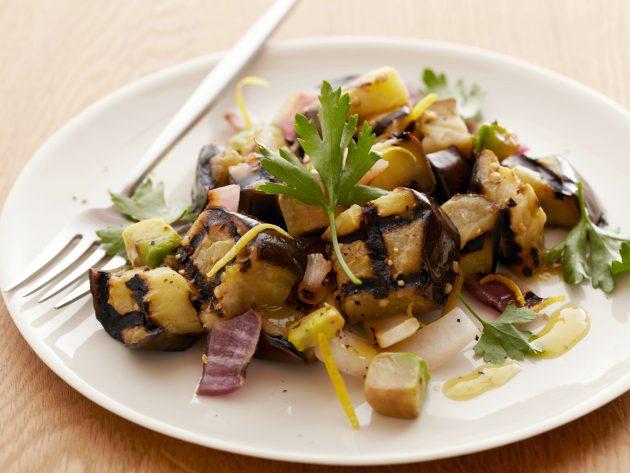 Блюда из баклажанов: салат из гриль-баклажанов