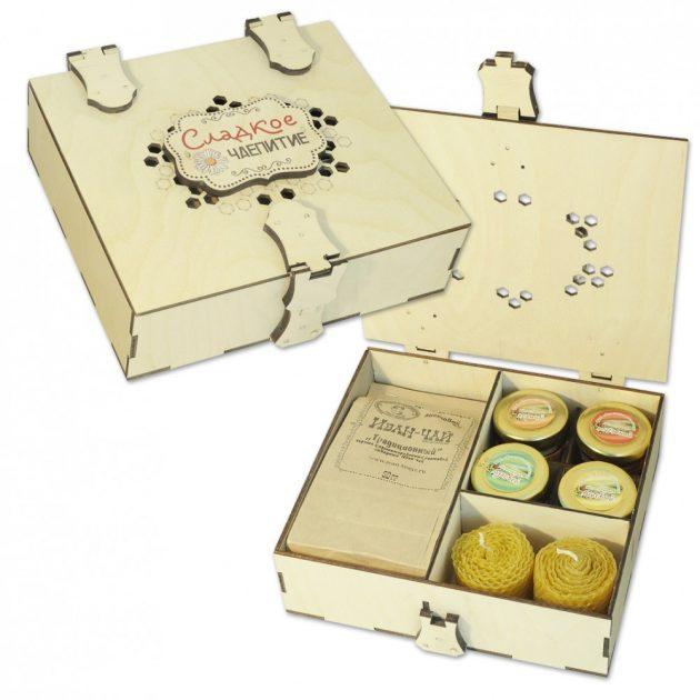 Подарки на Новый год: набор чая и сладостей