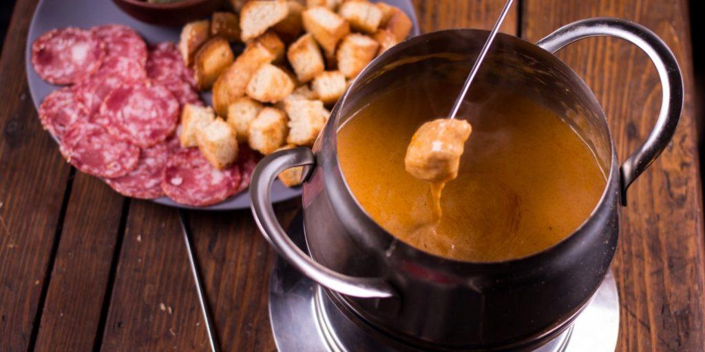 Как приготовить фондю с сыром в домашних условиях 636
