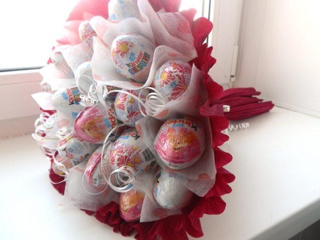 Подарки на День святого Валентина: сладкий букет