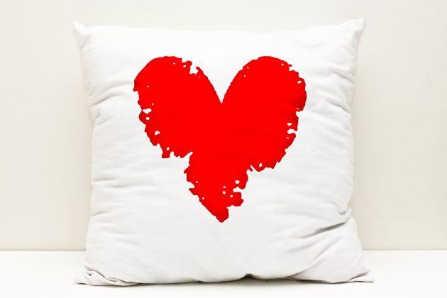 Подарки на День святого Валентина: подушки для сладких снов