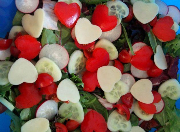 Подарки на День святого Валентина: овощной салат