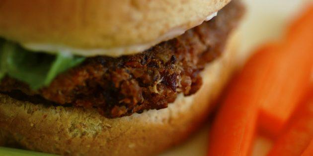 Вегетарианские фасолевые бургеры