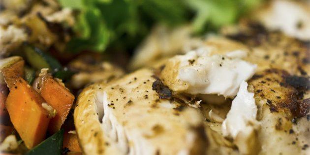 Блюда из ничего: Жареный минтай в овощном соусе