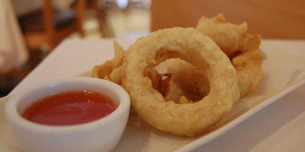 Блюда из ничего: Луковые кольца в кляре