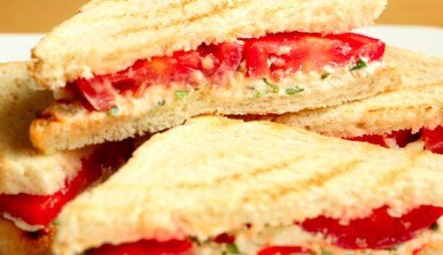 Холодные сэндвичи с фетой и помидорами