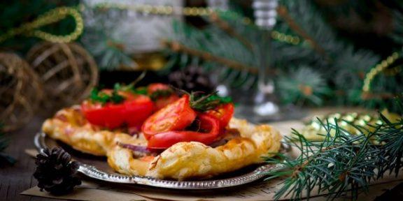 Готовимся к Новому году: как избежать переедания во время праздничного застолья