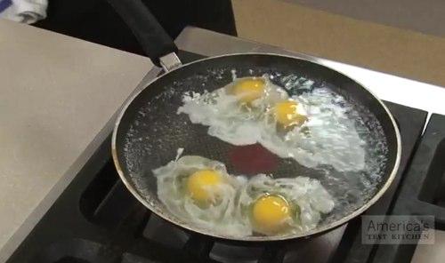 Как сделать яйца пашот видео