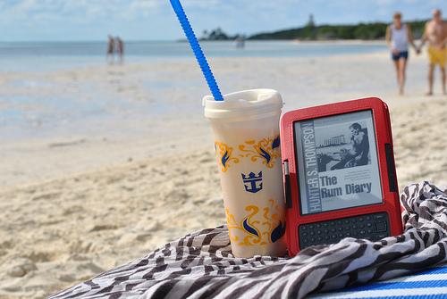 Как защитить телефон на пляже