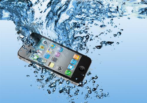 Что делать, когда iPhone упал в воду