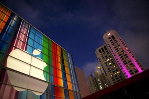 В Евросоюзе проверяют отношения Apple с операторами на честность