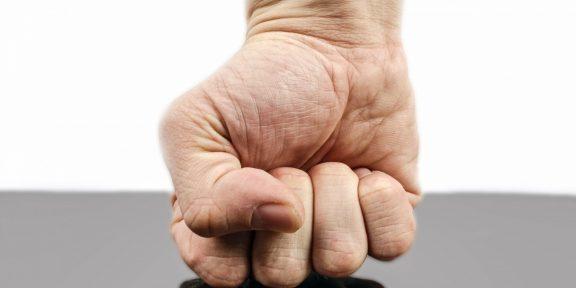 Сжимание кулаков стимулирует память
