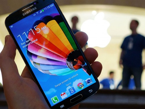 samsung_galaxy_s4_apple_store_hero_4x3