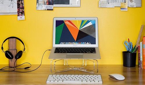 GhostStand – «невидимая» подставка для MacBook от Twelve South