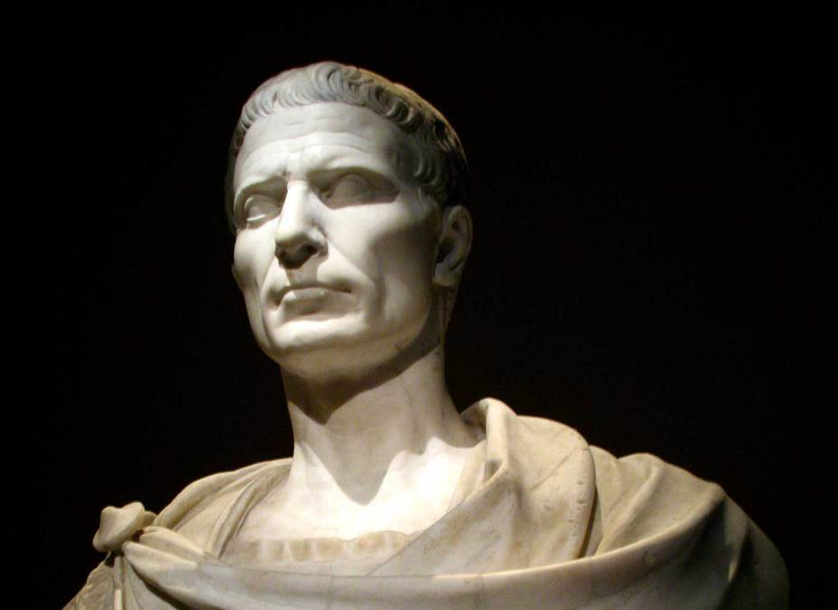 an introduction to the history of brutus and anthony during the time of julius caesar About julius caesar after cassius raises the subject and asks for brutus' commitment, he requests time and he too readily agrees to allow antony to speak.