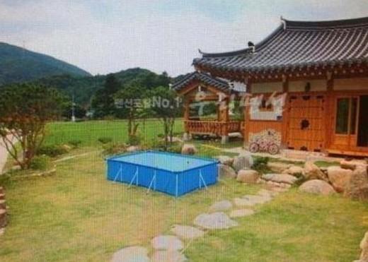 Китайский дом с бассейном. Правильный ракурс