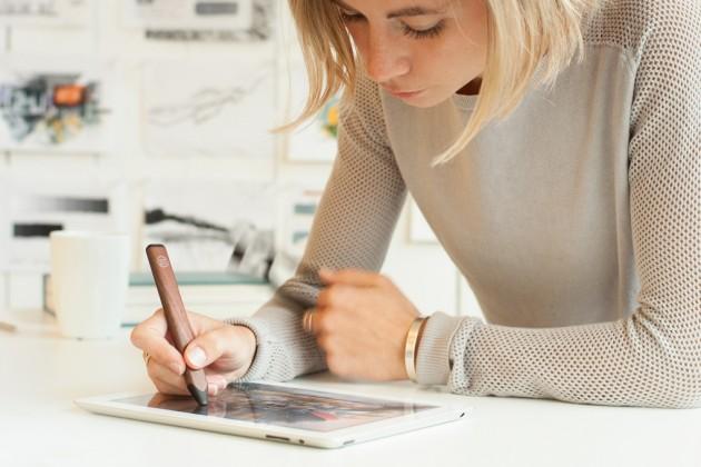 Джобс был против стилусов, но Pencil от Paper ему бы понравился