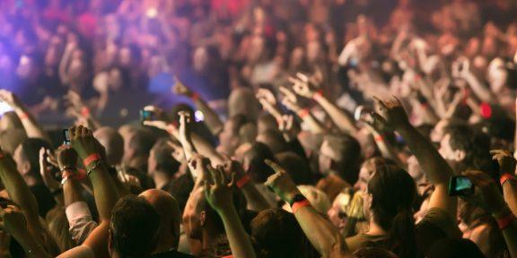 Как правильно вести себя в толпе