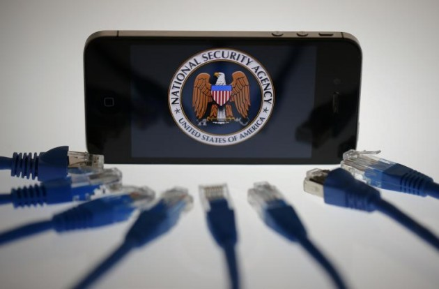 Apple поддержала протест против тотальной слежки со стороны американских спецслужб