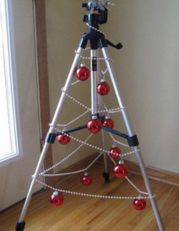 tripod-christmas-tree