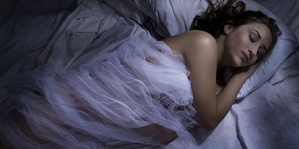 Почему надо спать в полной темноте