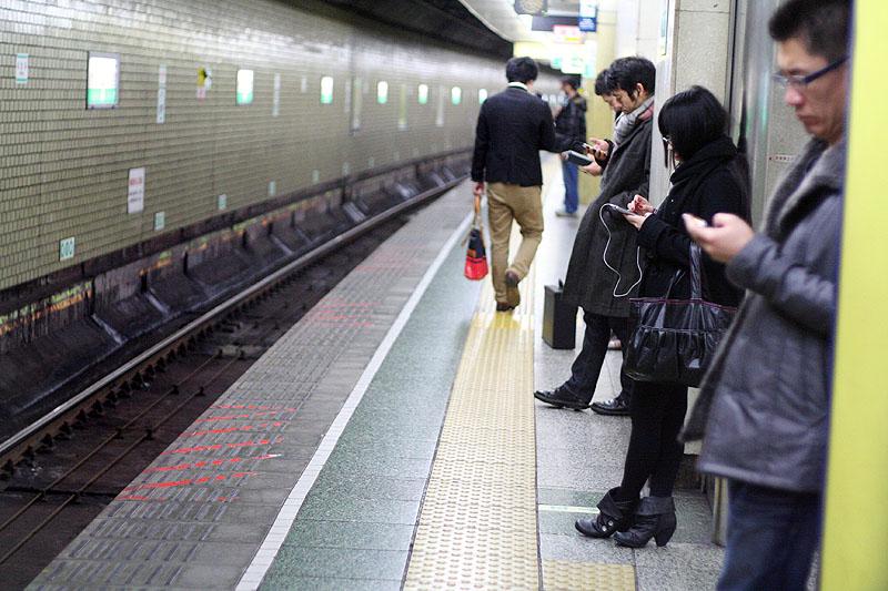 Приставание в общественных транспортах