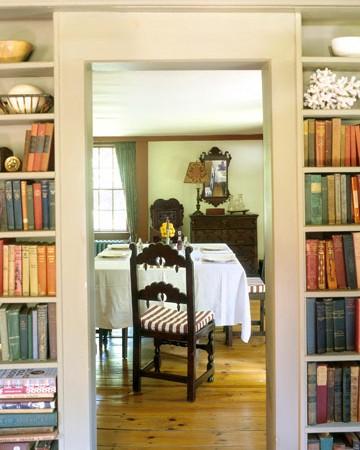 Полкомания: 20 идей по размещению книг и аксессуаров в доме .
