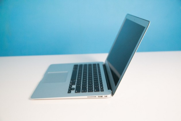new-macbook-air-june-2013-3-of-14