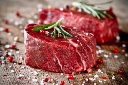 "<a href=""http://www.shutterstock.com/ru/pic-158027945/stock-photo-fresh-raw-beef-steak-on-wood.html"">©photo</a>"