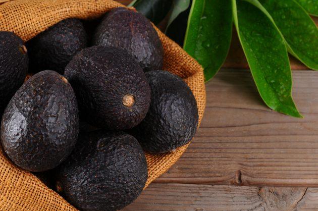 как выбрать авокадо: черное авокадо