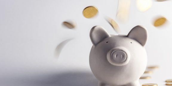 Досрочно выплачивать долги или откладывать деньги: что важнее?