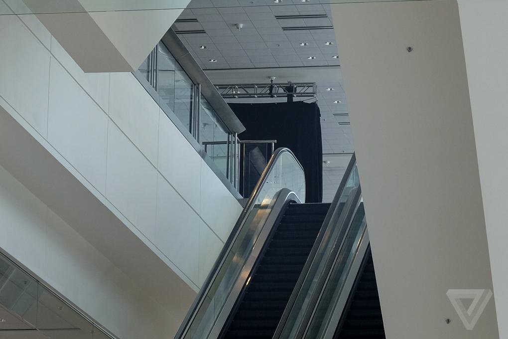 В Moscone West в преддверии WWDC 2014 нашли скрытые рекламные баннеры