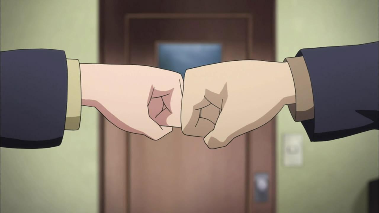 как поздороваться с другом кулаками