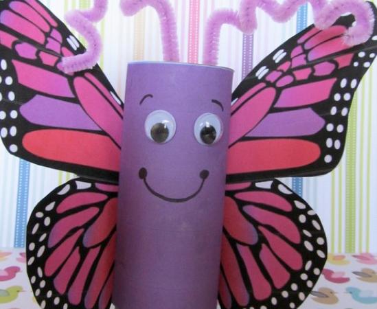 Бабочка из туалетной бумаги