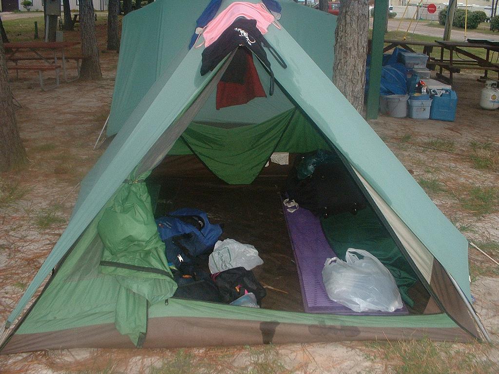 Секс ночью в палатках