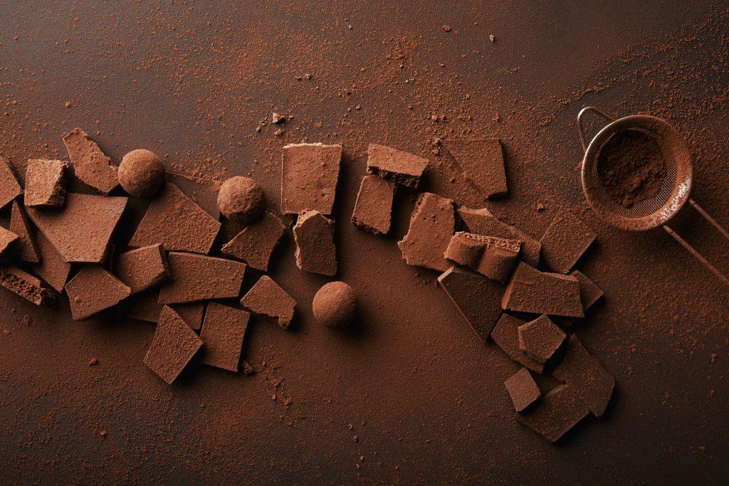 Полезные и вредные свойства настоящего шоколада для организма человека, противопоказания к употреблению шоколада