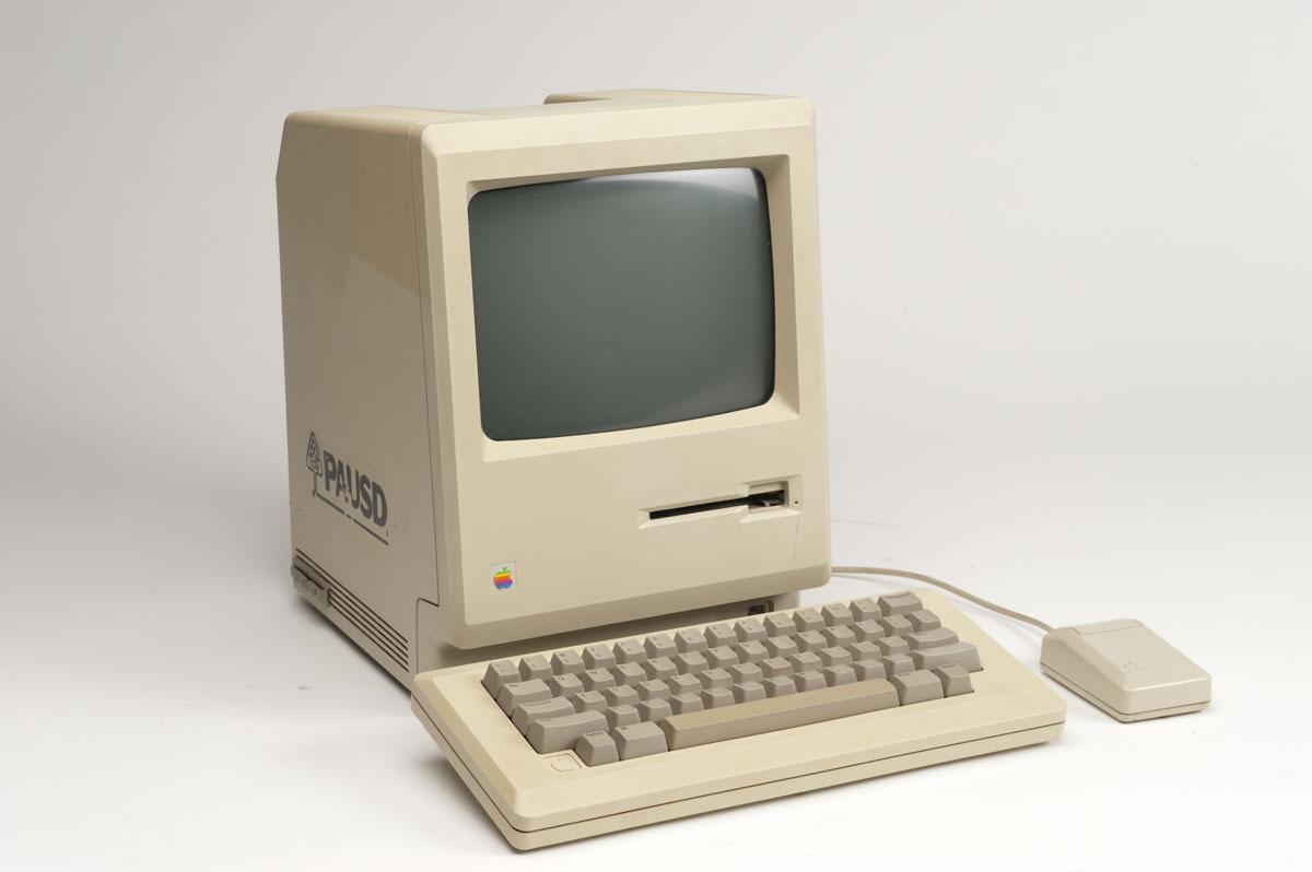 """Как создавалась знаменитая реклама первого Mac """"1984"""""""