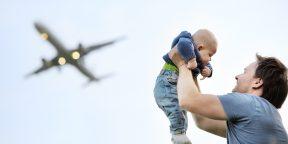 Путешествие на самолёте с маленьким ребёнком: как пережить полёт беспроблемно