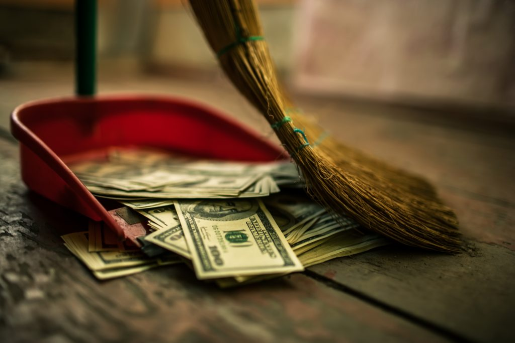 12 способов потратить деньги с максимальной пользой