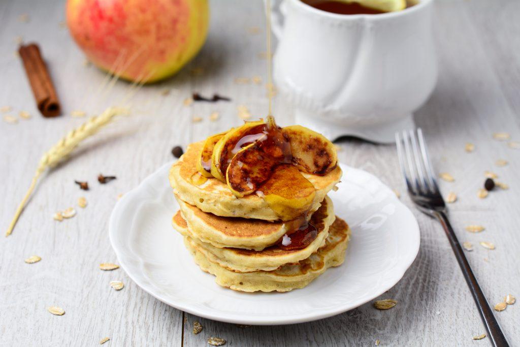 Рецепты для бегунов: яблочно-овсяные и банановые блинчики, а также овсяные вафли от Крейга Александера