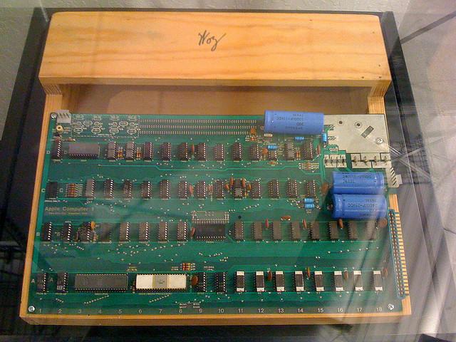 Apple-1, проданный лично Стивом Джобсом, будет выставлен на аукцион