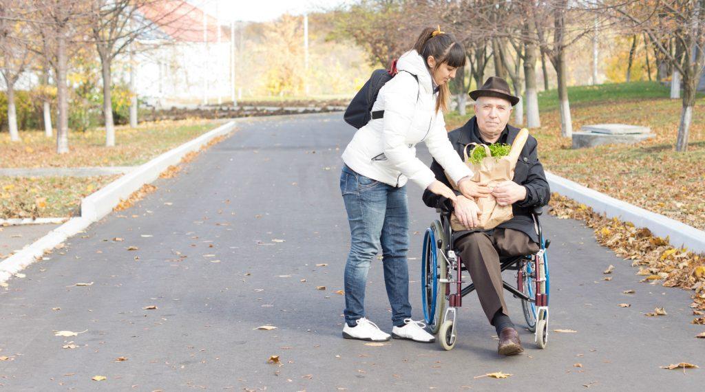 Картинки помощь людям на улице