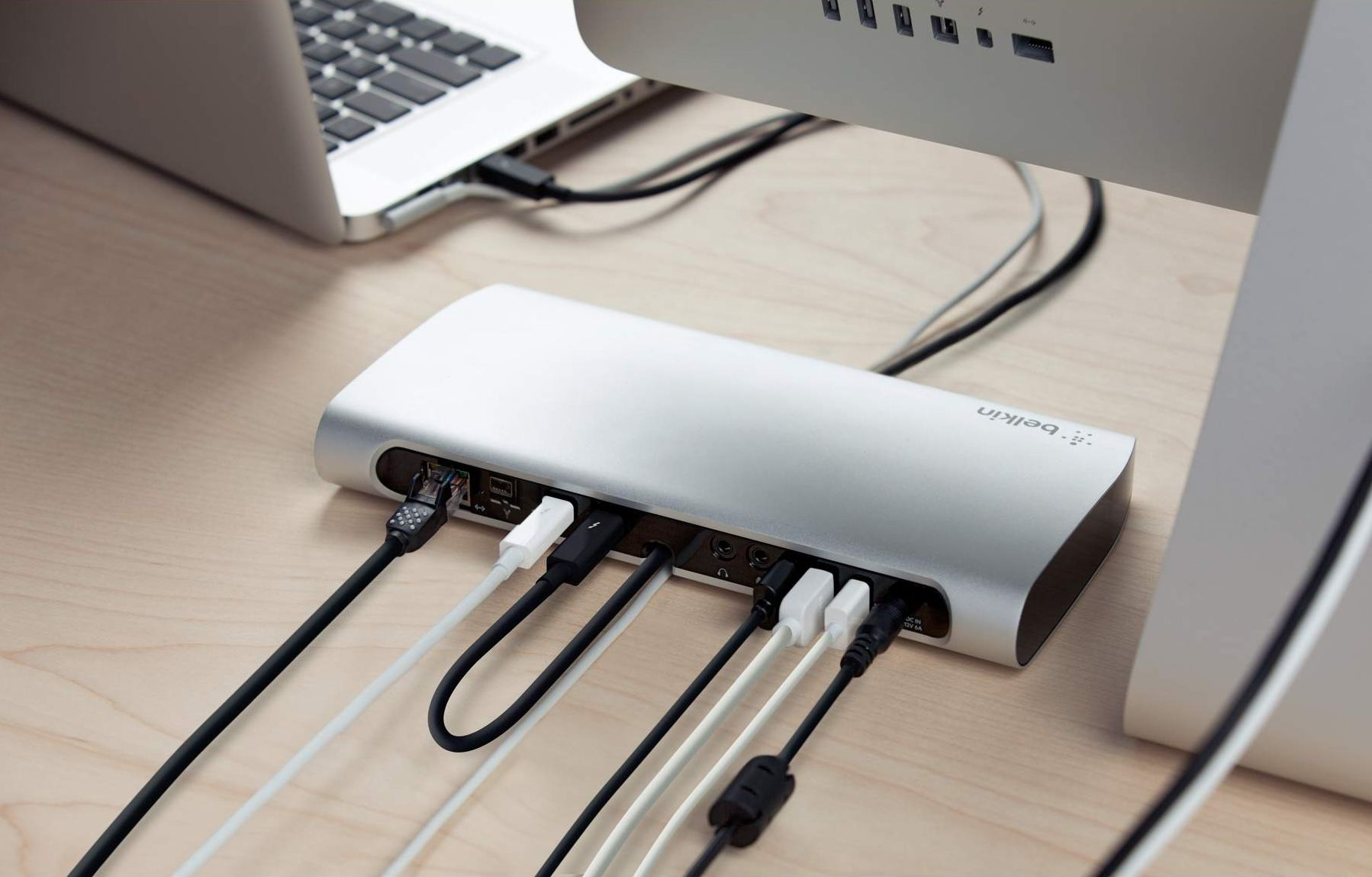 Новому MacBook нужен хороший док, а не дополнительные порты