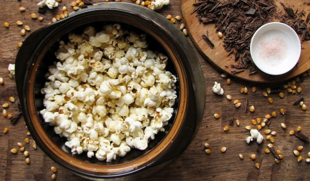 Домашний шоколадный попкорн: как только хлопки прекратятся — попкорн готов