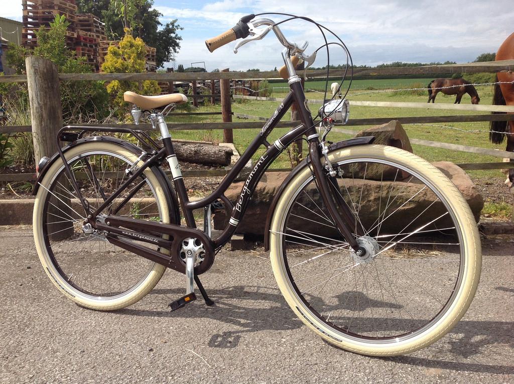 На велосипеде жопа похудела