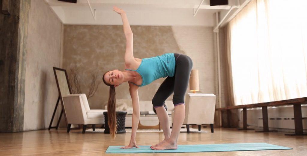 Упражнения для развития гибкости с Тарой Стайлз