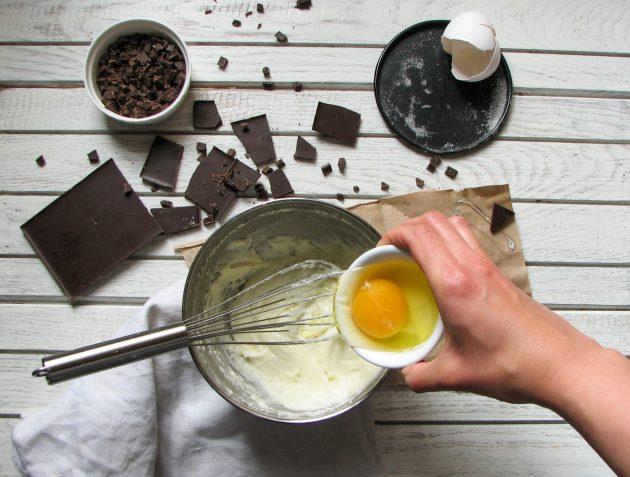 Необычный рецепт печенья: соединяем ингредиенты и доводим массу до однородности